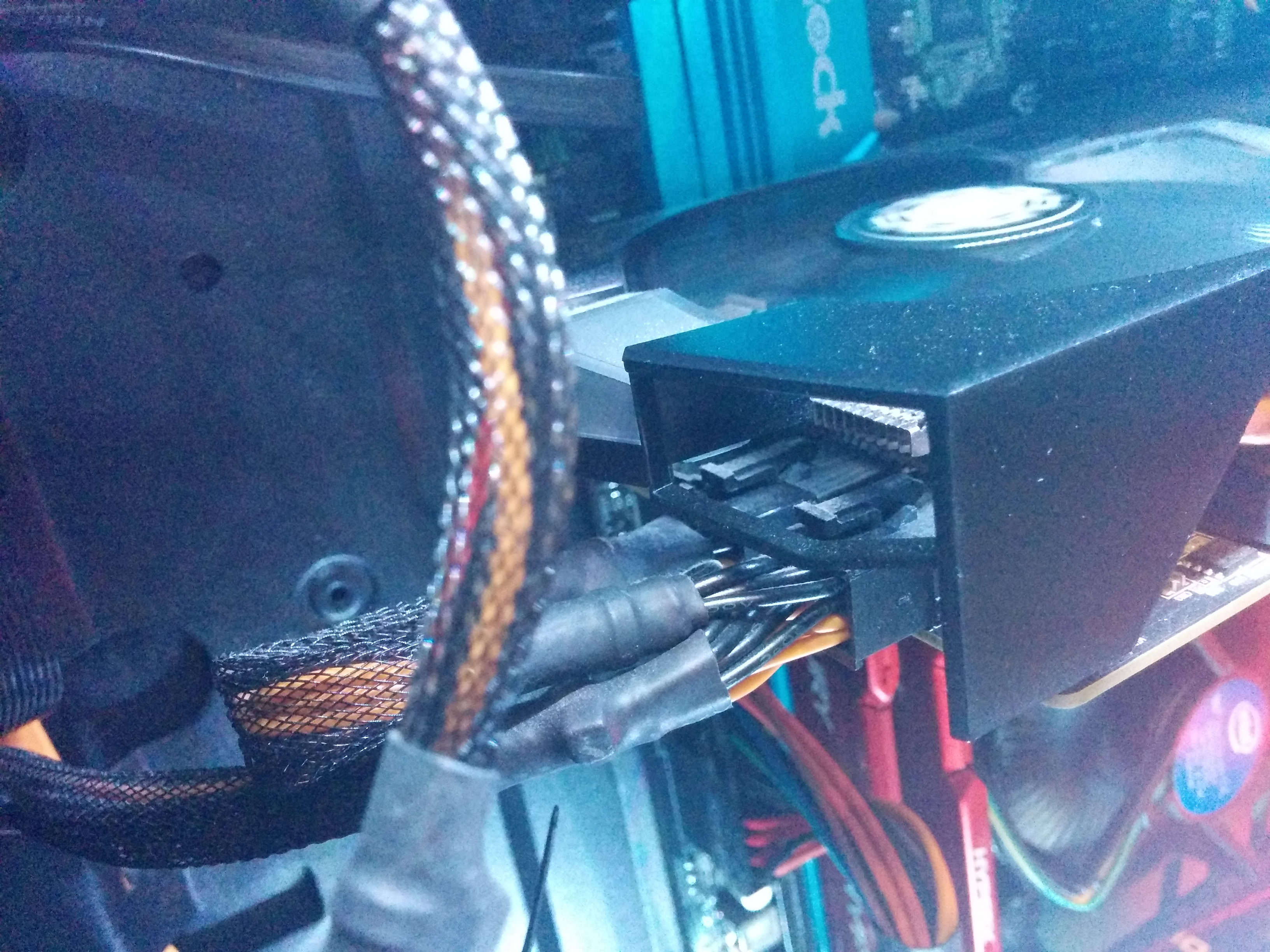 New video card, but wrong pins? - Cases and Power Supplies - Linus ...