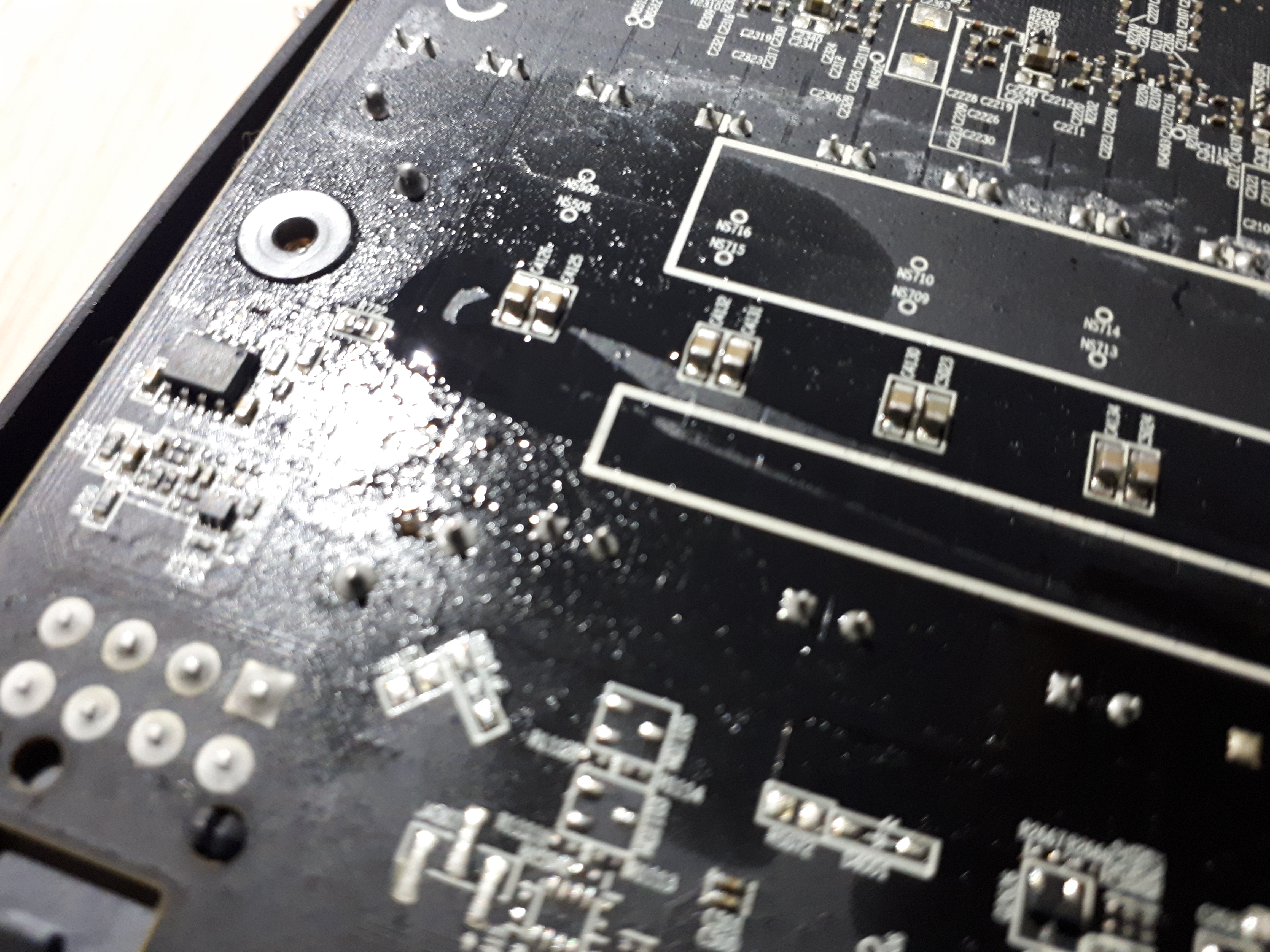 Can thermal pads melt and provoke a shortcircuit? - Graphics