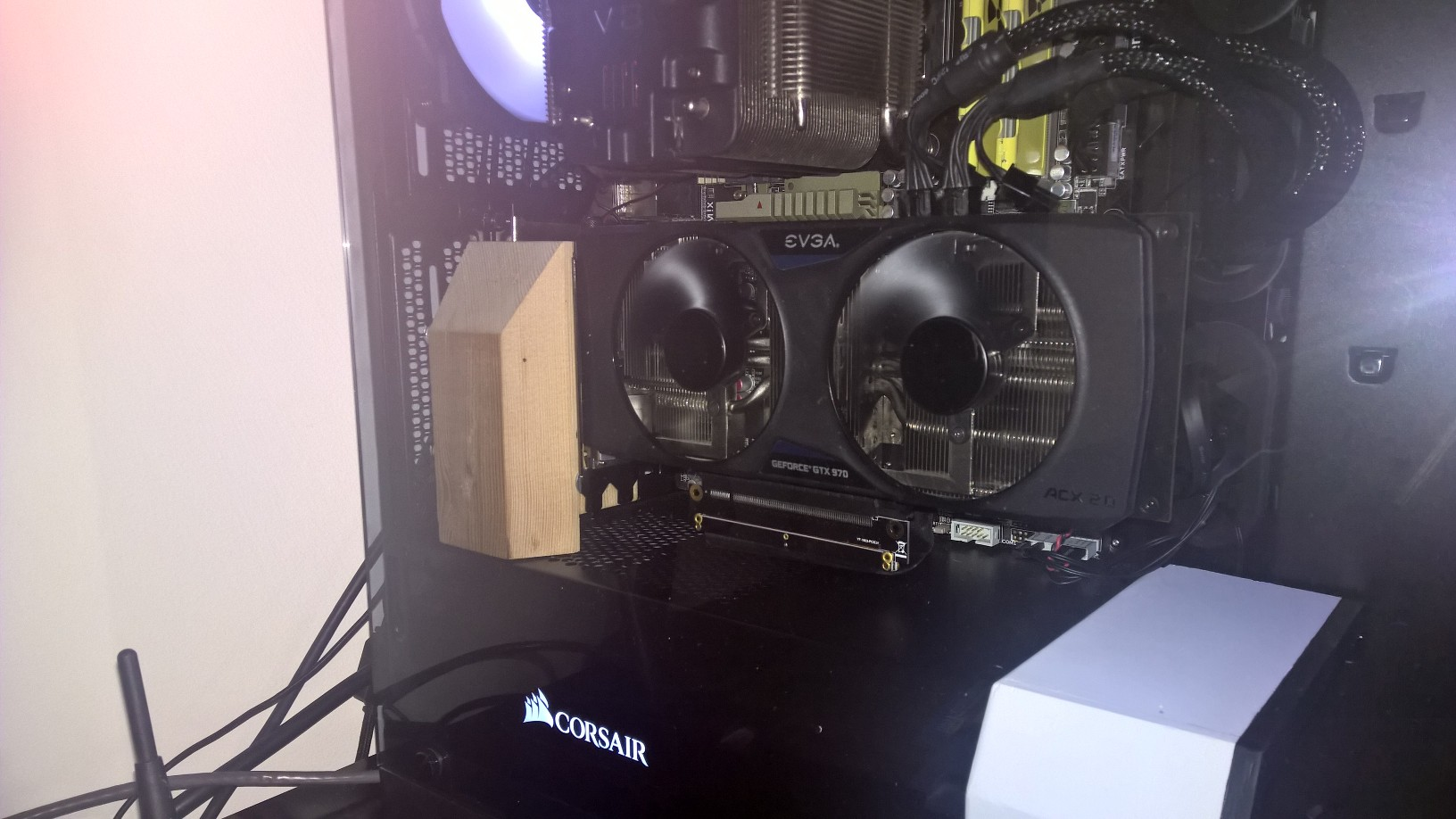 Vertical GPU Mount - Case Modding and Other Mods - Linus Tech Tips