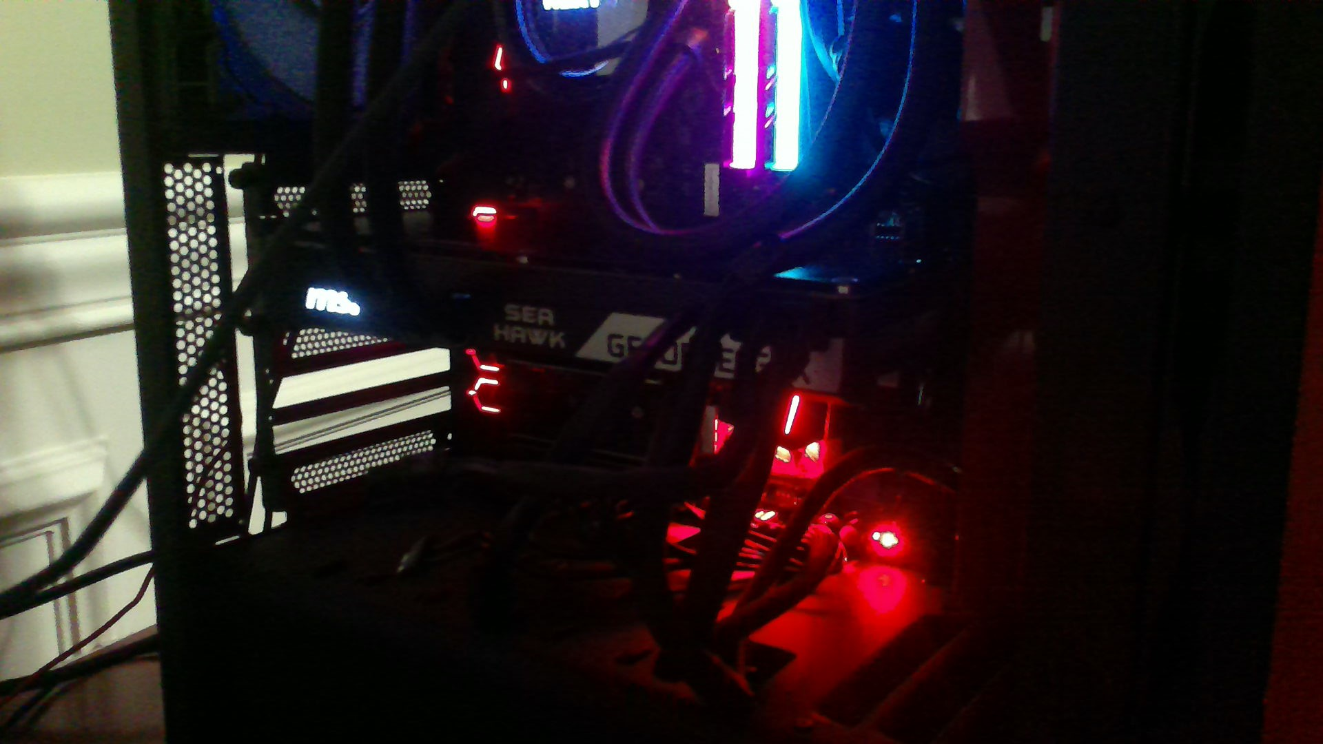My 1080ti not detected/no output - Graphics Cards - Linus Tech Tips