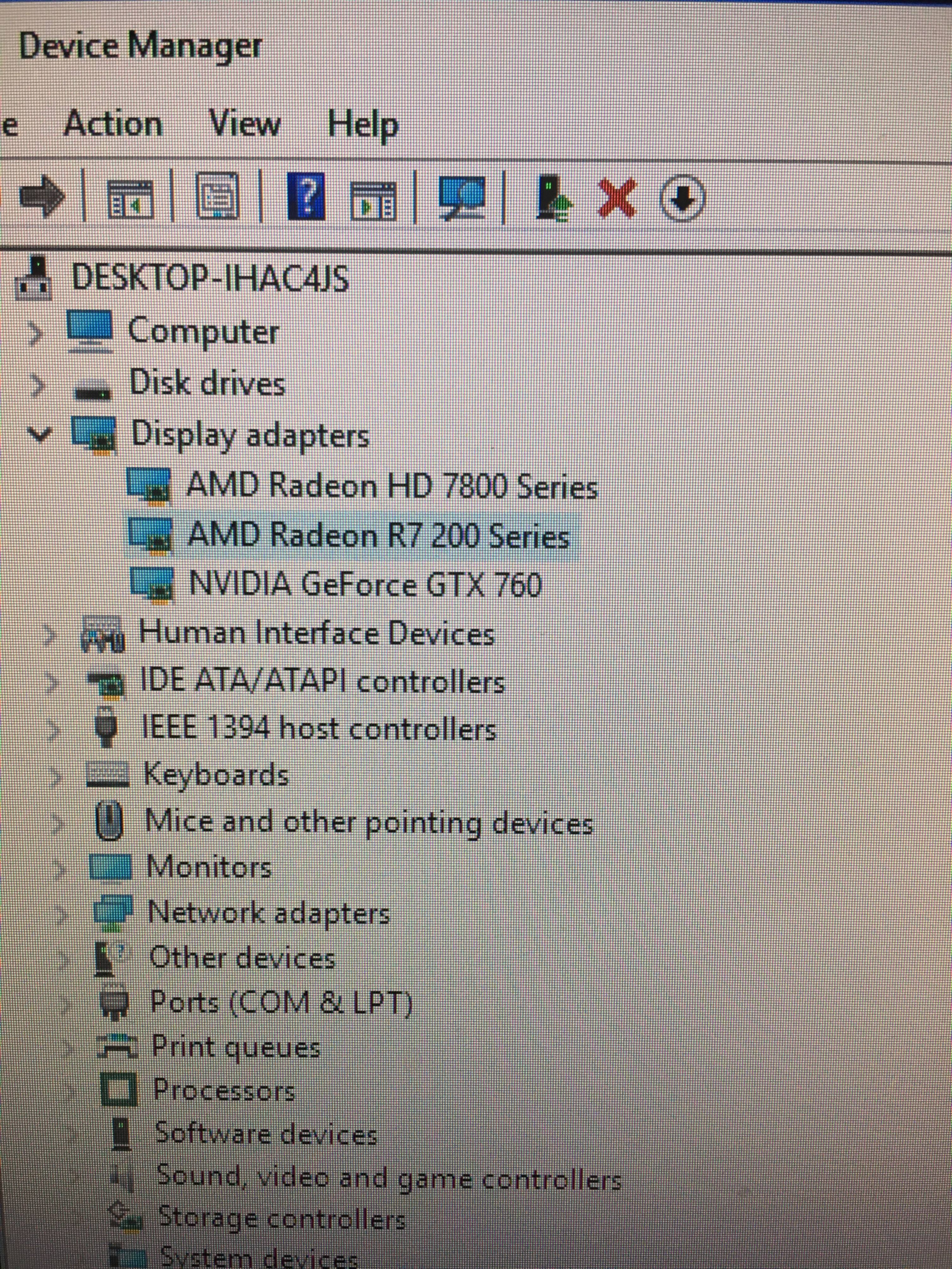 One of my graphics cards isn't identified in windows