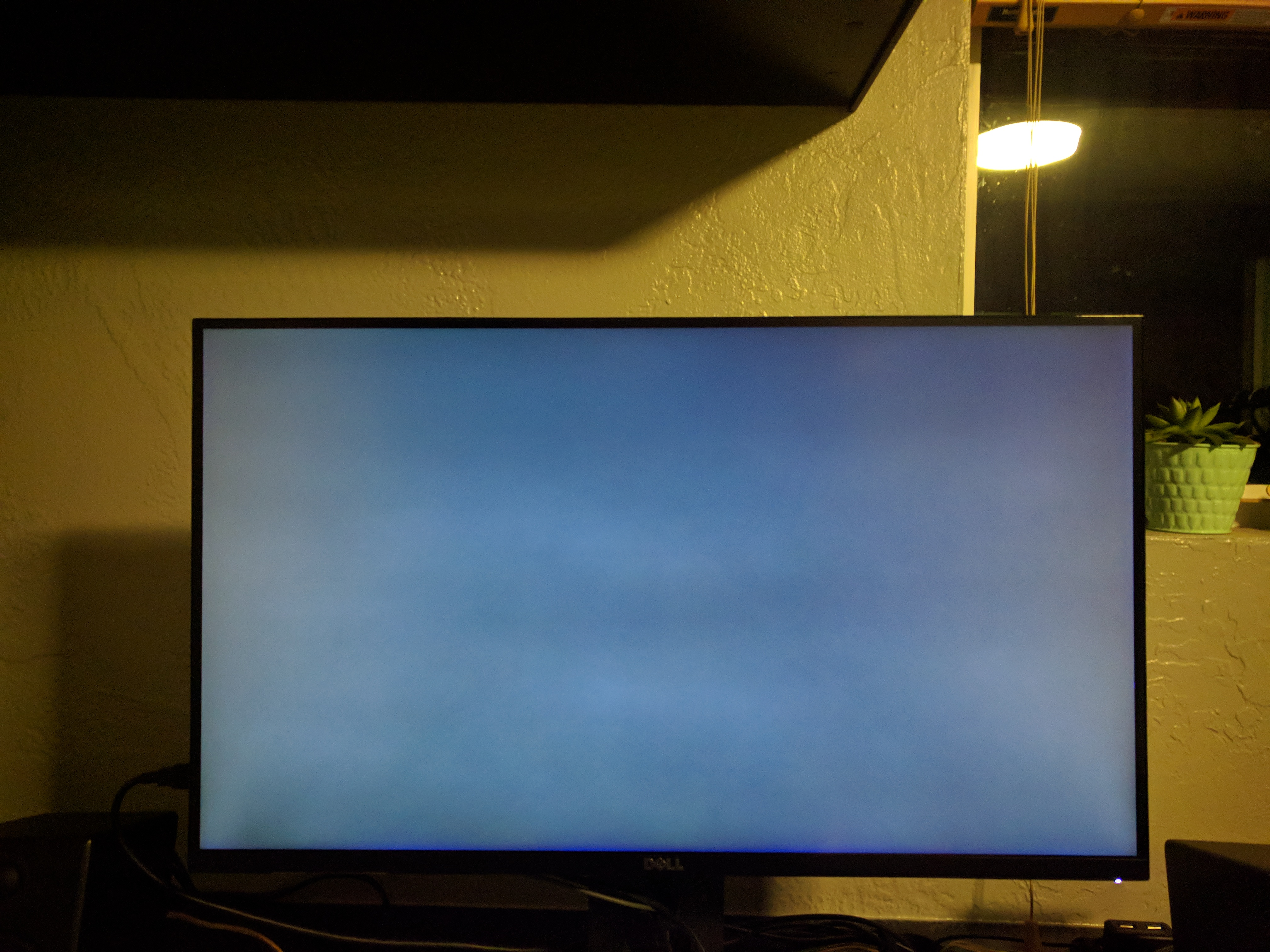 Dell S2716DGR Vertical Line and Bleed - Displays - Linus